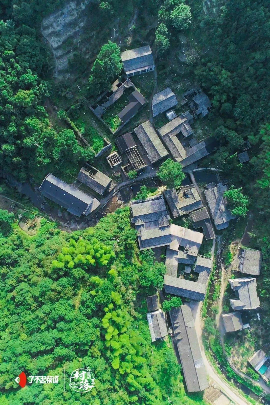 浙江岙陈村   只剩八个老人的村落里,有着爱情最美好的模样