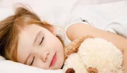【育儿科普】宝宝大汗就是缺钙?别急着用药!|成长睡眠-呼噜噜床垫|