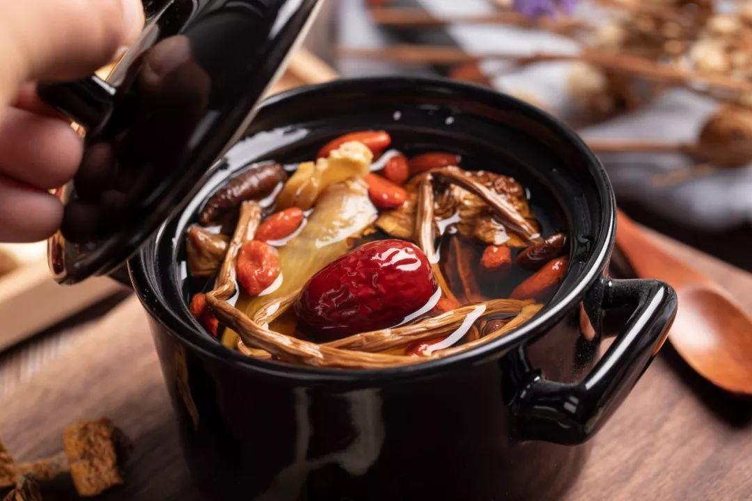 不要和广东人比养生 ,小心送你煲汤--新县志
